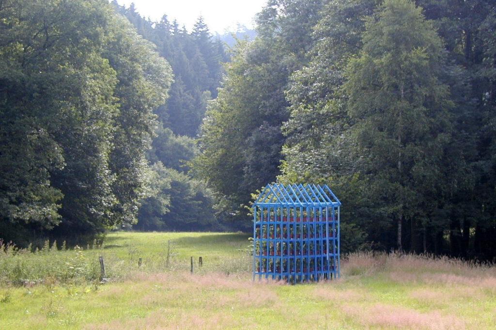 Welcome to my Residence, Holz/Tagetis | Simonskall-Gemeinde Hürtgenwald: Kunst-Kultur-Natur | 2003